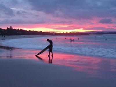 Noosa_Surfer.jpg