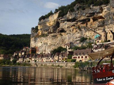 The village of La Roque Gageac.