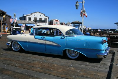 Classic American Car - anyone know what type it is?