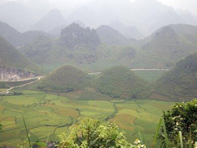 Fairy Bosoms, Ha Giang