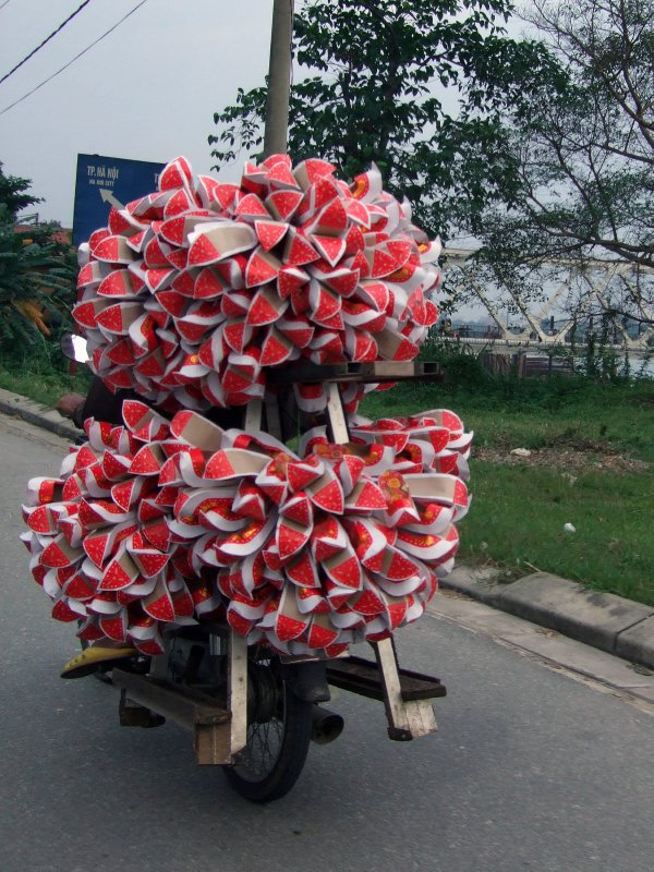 Paper shoes, Hue