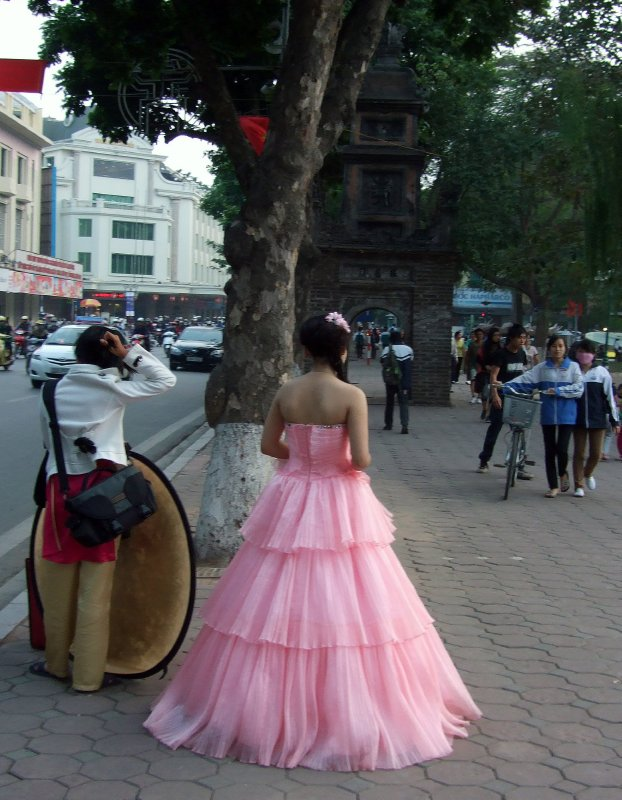 Pink bride, Hoan Kiem December 10