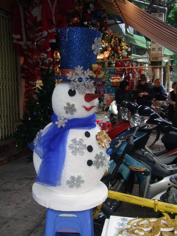 Snowman on Hang Ma
