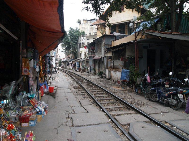 The line up to SaPa through Ha Noi