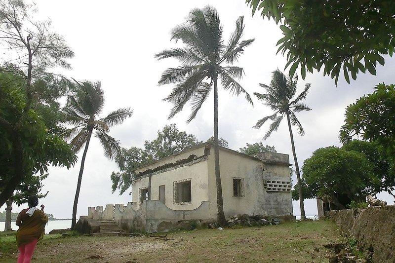 large_Residenza_.._Bob_Denard.jpg