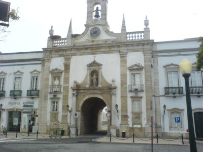 1Faro_-_Arco_da_Vila.jpg