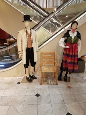 Oslo - Bunad Traditional Clothes