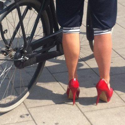 Amsterdam_..cling_shoes.jpg