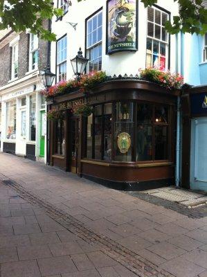 Bury_St_Ed..ell_Pub.jpg