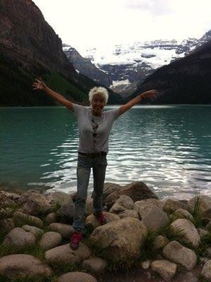 Canada_-_J..Lake_Louise.jpg