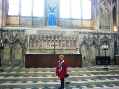 Ely_Cathed.._statue.jpg