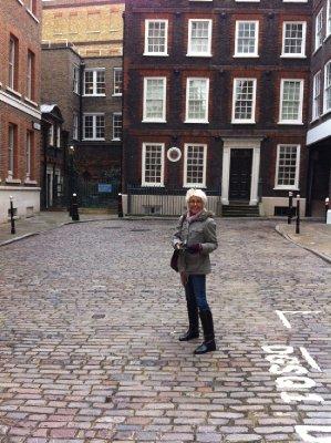 London_-_D..om_1700.jpg