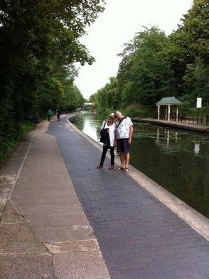 London_-_R..s_Canal.jpg
