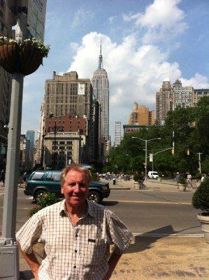 New_York_-..uilding.jpg