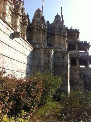 Ranukpur_-_Jain_temple.jpg