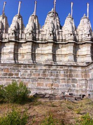 Ranukpur_-_Jain_temple_4.jpg