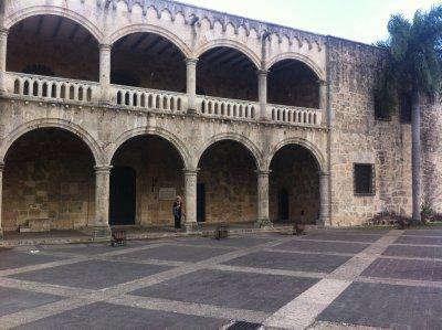 Santo_Domi..bus__Palace.jpg