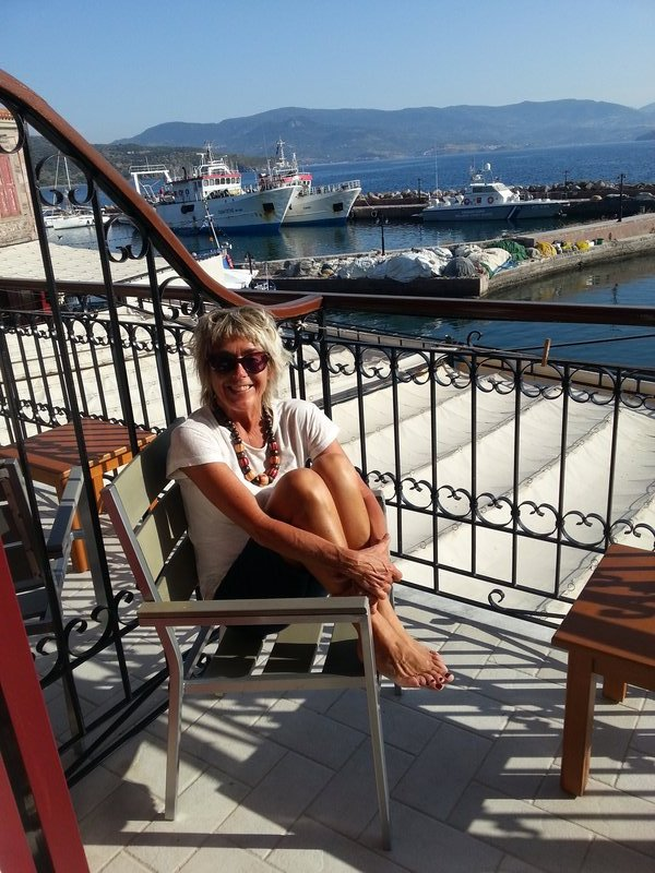 large_90_Lesvos_-_M..Horse_Hotel.jpg