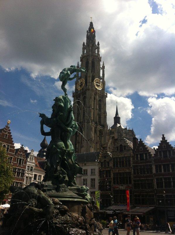 large_Antwerp_-_..Grote_Markt.jpg