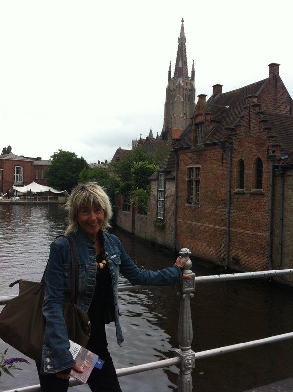 large_Bruges_-_Jeni_at_canal.jpg