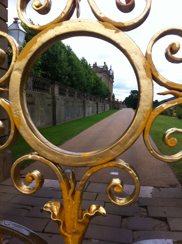 large_Chatsworth.._gold_gates.jpg
