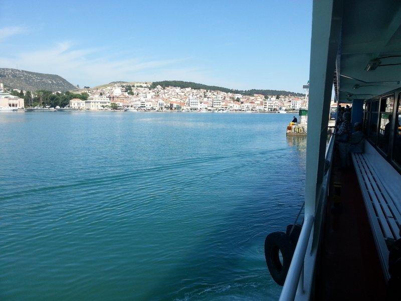 large_Mytilene_-..rom_Ayvalik.jpg