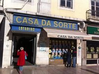 Lisbon_-_J..er_bus_pass.jpg