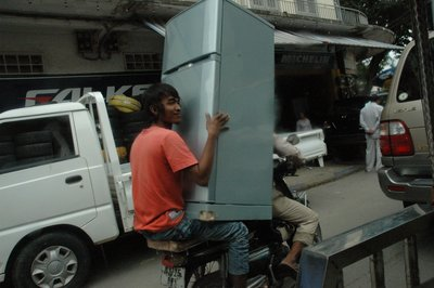 Moped Fridge delivery