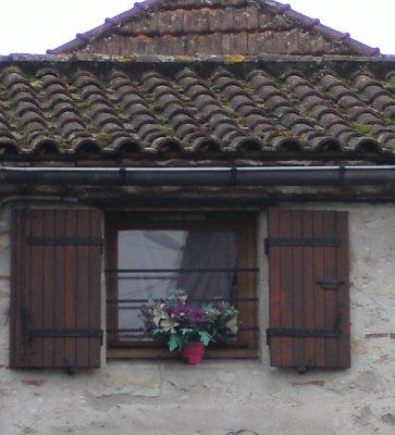 St Sylvestre sur Lot window