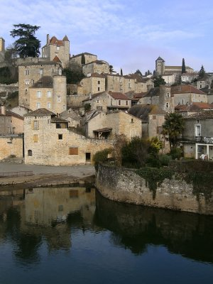 The medieval city in Puy-l'Évêque