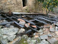 Medronho distillery roof
