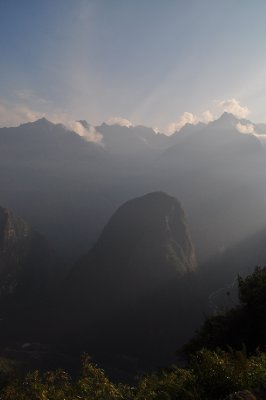 Morning breaks at Machu Picchu 2