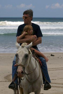 Farfar & Bella on the horse