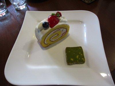 Mmm roll cake!