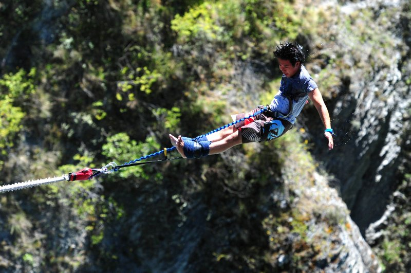 Jesse bungy jumping!