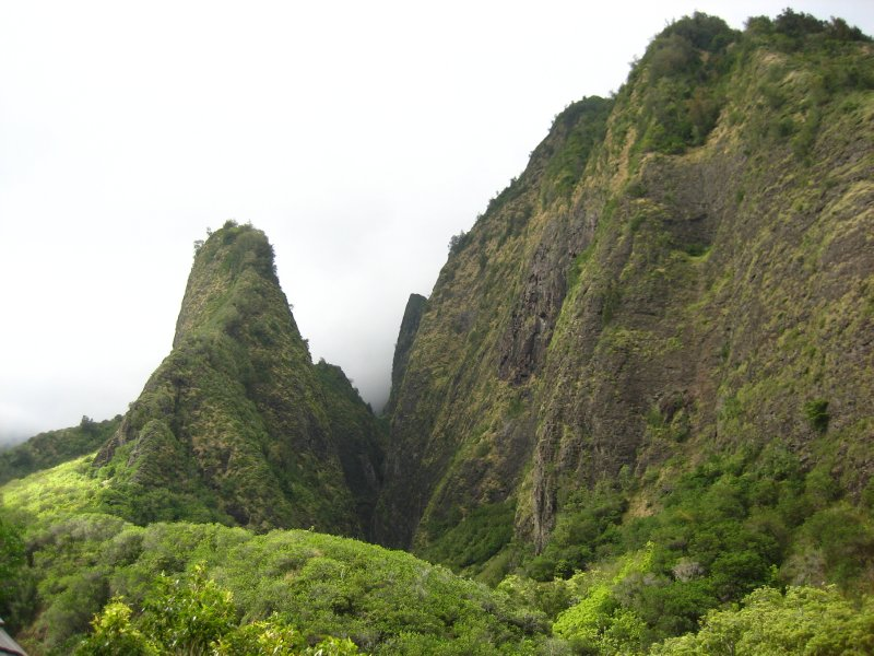 Hiking in the Iao Valley