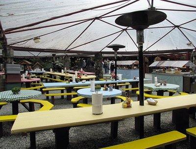Juneau_Sal..seating.jpg