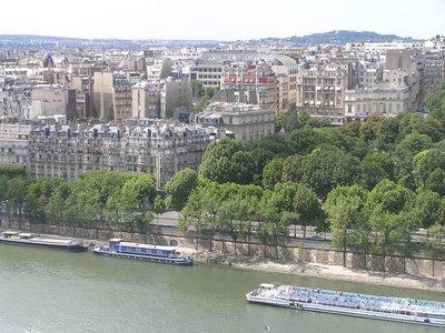 Paris_and_..e_river.jpg