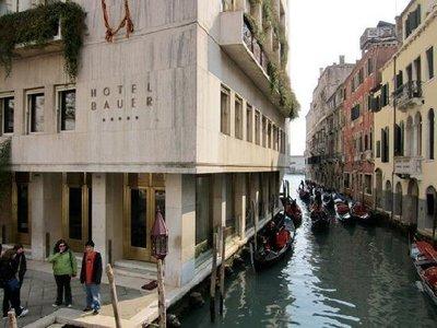 bauer-hotel_canal.jpg