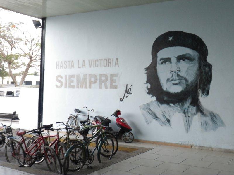 El Che @ Viasul Station