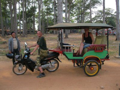 Jay driving the tuktuk!