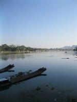 Rafts_on_Li_River.jpg