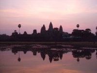 Sunrise_at_Angkor_Wat.jpg