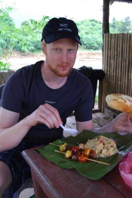 Lunch på elvebredden