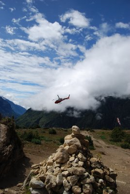 Helikopteravgang på miniatyrflyplassen ved Namche