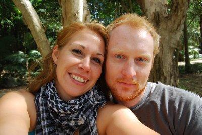 Happy kjærester på tur i regnskogen :-)