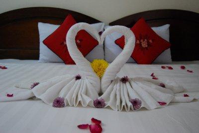 Pynt på senga på hotellet der vi bodde :-)