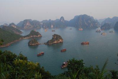 En del av Ha Long Bay sett fra oven :-)