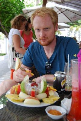 Deilig frukt til lunch på en strandkaffe i Nha Trang :-)