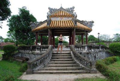 Paviliong hvor kongen skrev dikt og holdt utkikk med plassen